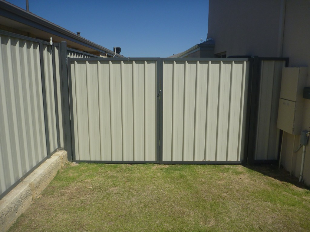 Easy Install Fence >> Colorbond fencing & gates